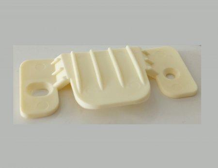 Зацеп для соединения частей диванов пластиковый
